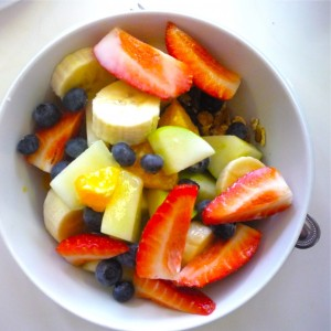 20081222-muesli-with-fresh-fruit-megans-delicatessen-002-e1303189571882